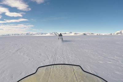 Sneeuwscooterexpeditie op Antarctica (Matthias Van Ginneken courtesy of VUB)