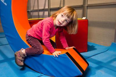 Activiteit waarbij de kinderen spelenderwijs kunnen leren, net als andere babydieren