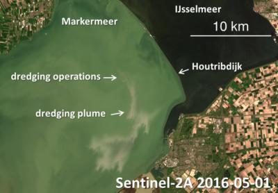 Zoom sur les opérations de dragage dans le Markermeer (Figure : IRSNB - Contains modified Copernicus Sentinel data 2016).
