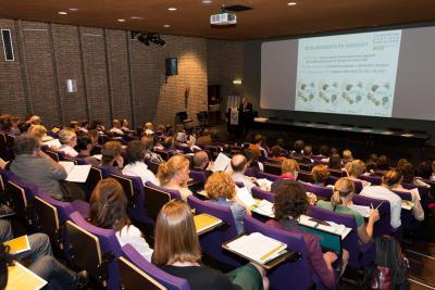 La présentation de la mise à jour de la Stratégie nationale pour la biodiversité s'est déroulée dans l'auditoire – comble pour l'occasion – de l'IRSNB.
