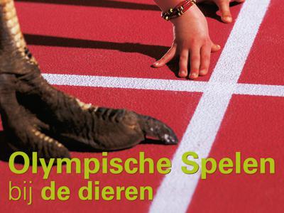 Visual van de tentoonstelling 'Olympische Spelen bij de Dieren': een struisvogel, een zebra en een kind op de startlijn