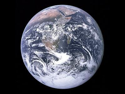 La Terre vue de l'espace (photo prise le 7 décembre 1972 par l'équipage d'Apollo 17)