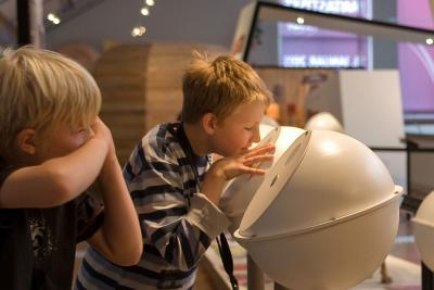 Activiteit waarbij de bezoekers proberen verschillende geuren te noemen