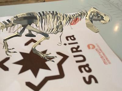 ein Miniatur-Dinosaurier in Augmented Reality auf der Sauria-Anwendung (Foto: KBIN)