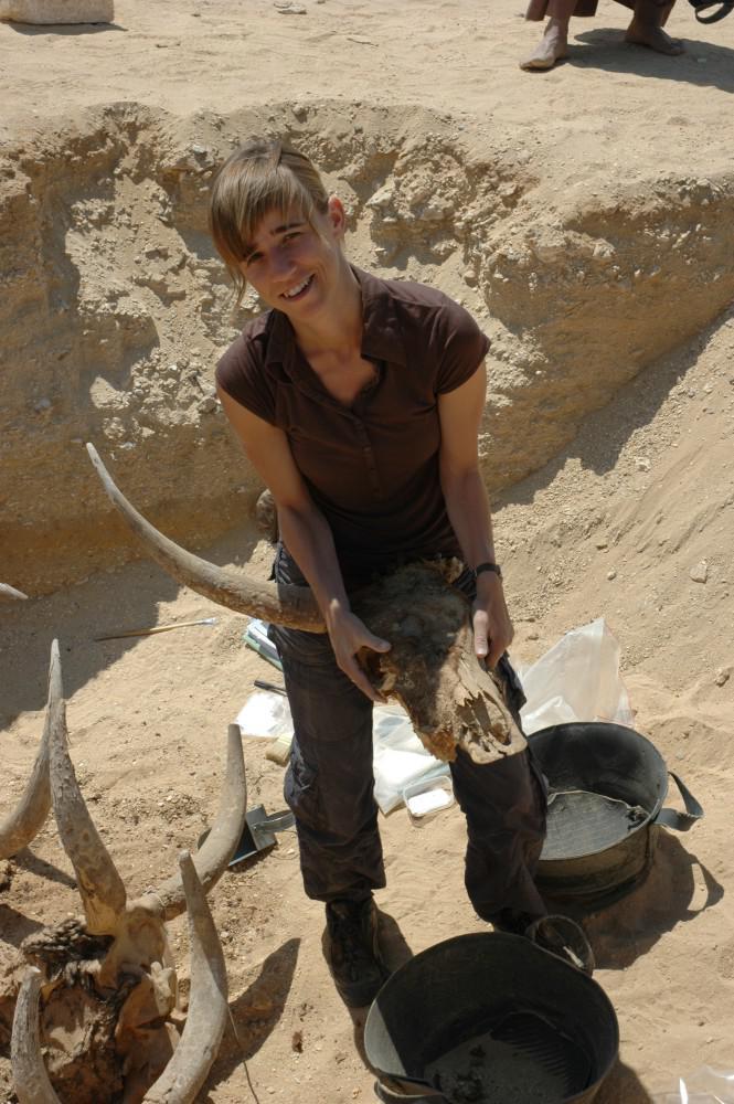 Veerle Linseele excavating in Middle Egypt