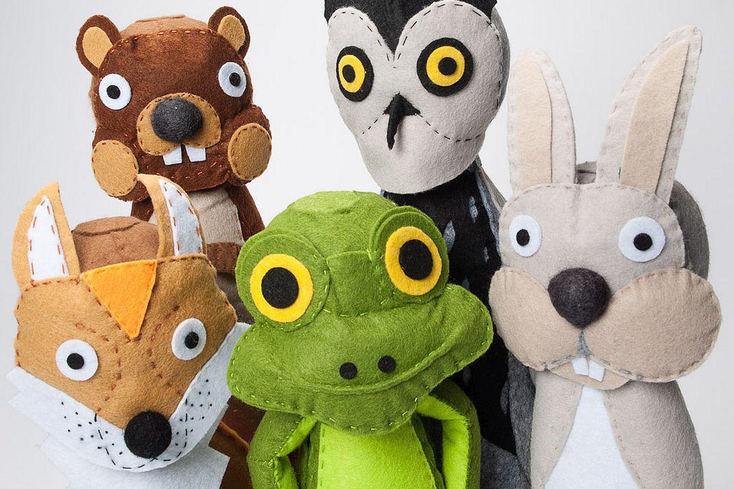 Vilten bosdieren van een atelier voor de Allerkleinsten (foto: Thierry Hubin / KBIN)