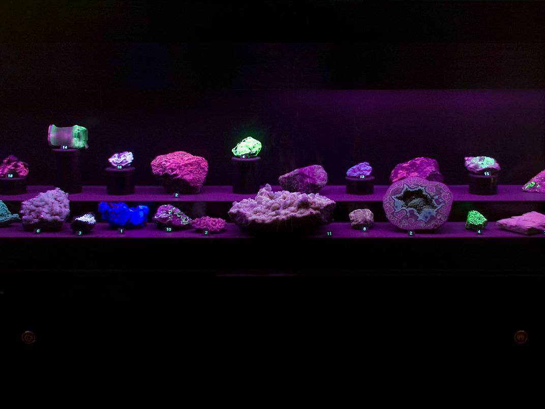 salle des minéraux - fluorescence
