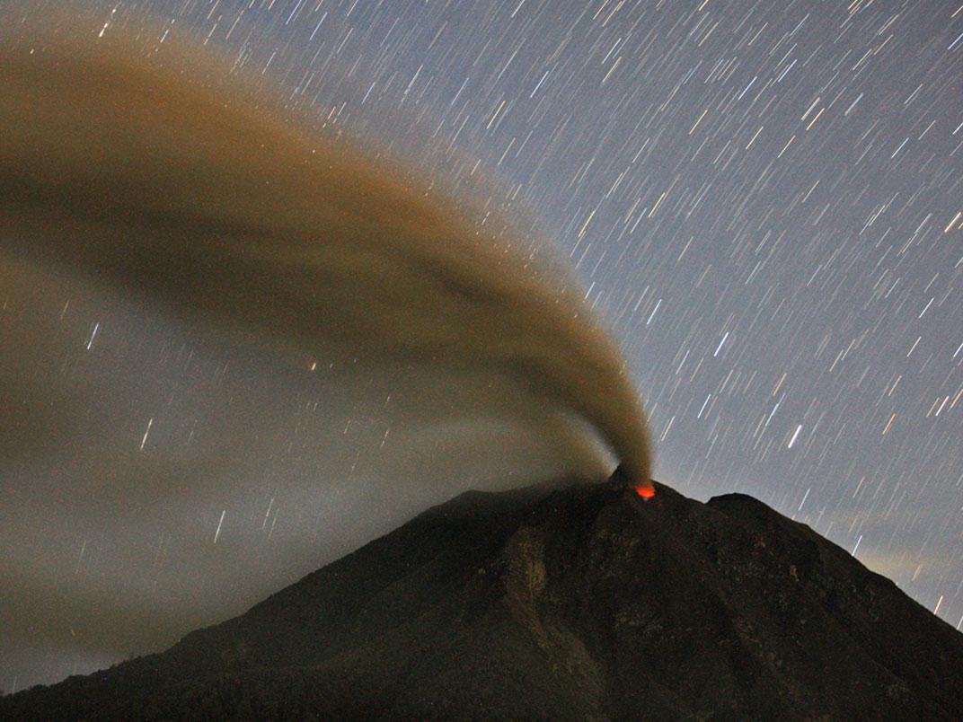 Mont Sinabung, Nord de Sumatra, Indonésie (Binsar Bakkara/Associated Press)
