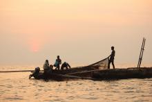 Pêcheurs sur le lac Tanganyika © Charlotte Huyghe