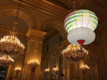 In het Paleis zweeft een maquette van de Arboglisseur. (foto: Isabelle Du four - RBINS)