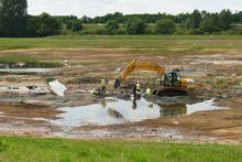 Gisement de Rivecourt le long de l'Oise (carrière Lafarge) lors des fouilles realisées par les chercheurs belges et français