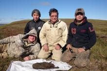 L'équipe qui a mis au jour le louveteau de Tumat, avec Sergey Fedorov au centre © Sergey Fedorov