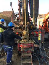 Testboring in Anderlecht. Geologen willen het potentieel voor geothermie in Brussel in kaart brengen. (Foto: Estelle Petitclerc)