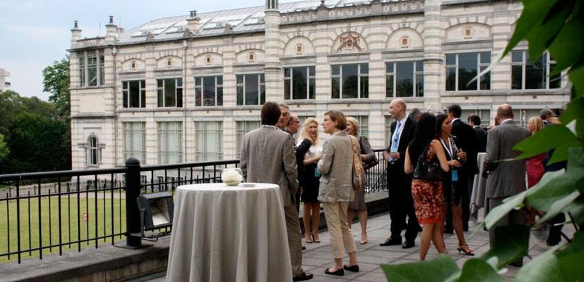 Veranstaltung auf der Terrasse des Museums